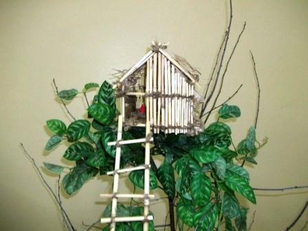 Модель жилища племени Короваи